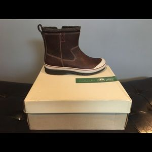 Brown warmlined leather